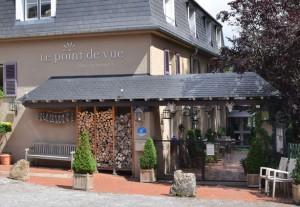 Entrée de l'Hôtel restaurant Le Point de Vue