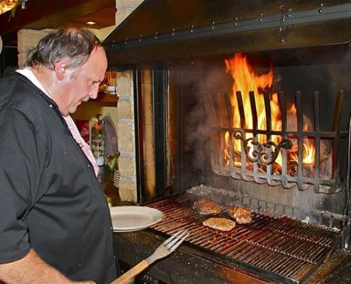 Le Foyer IX 9 neuf - grillades de viandes savoureuses préparées avec beaucoup d'attention