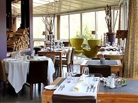 Hotel du Point de Vue à Chiny le Restaurant dans la veranda