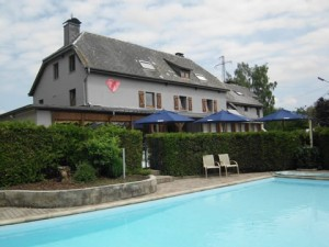 Au coeur de Lacuisine Hôtel restaurant avec piscine